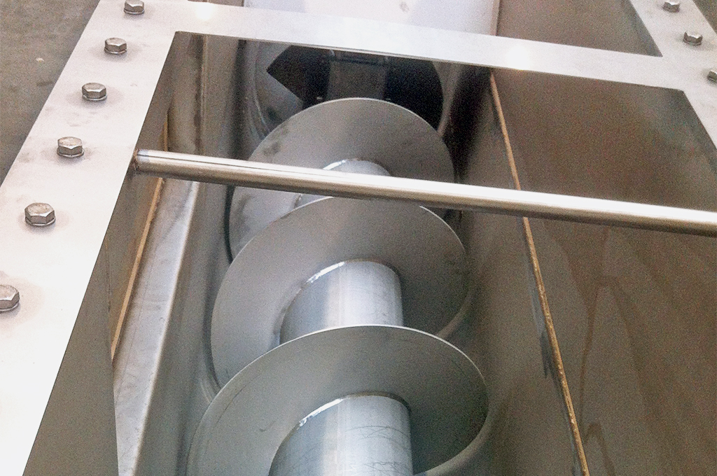 Screw conveyor prilling